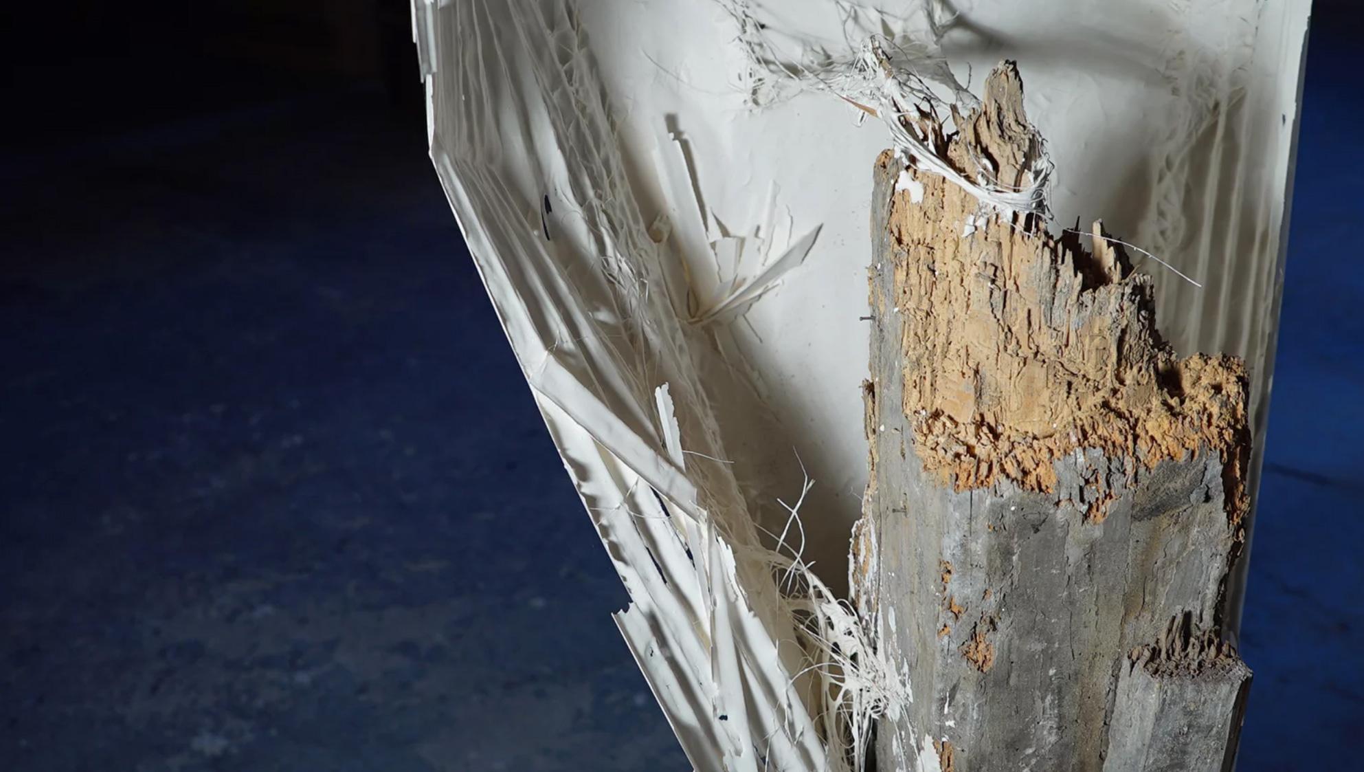 plissé de plâtre sur poutre